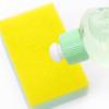 どうやって洗剤はお皿や服の油汚れを落としているの?汚れを落とすの原理を解説